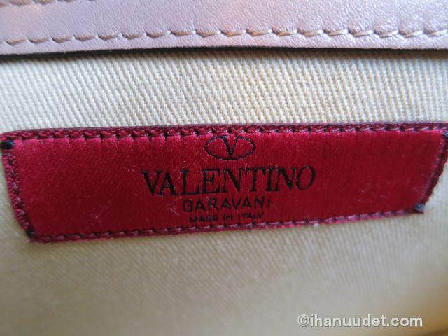 Valentino Glamlock Medium Poudre12.JPG