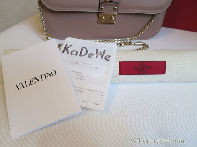 Valentino Glamlock Medium Poudre16.JPG