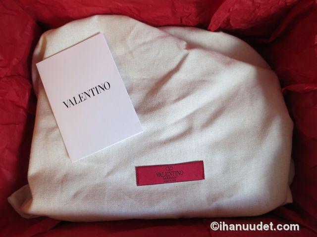 Valentino Glamlock Medium Poudre19.JPG